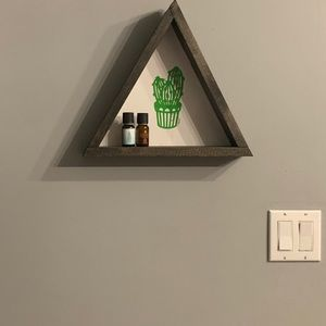 Triangle cactus shelf
